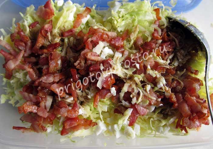Салат с копченой грудинкой