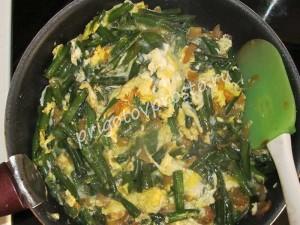 Зеленая стручковая фасоль с яйцом
