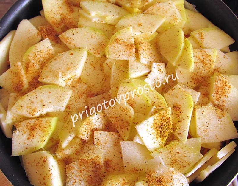 Картошка, запеченная слоями в духовке