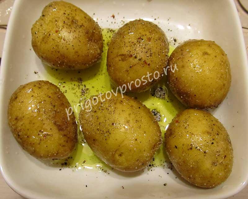Картофель в мундире в микроволновке