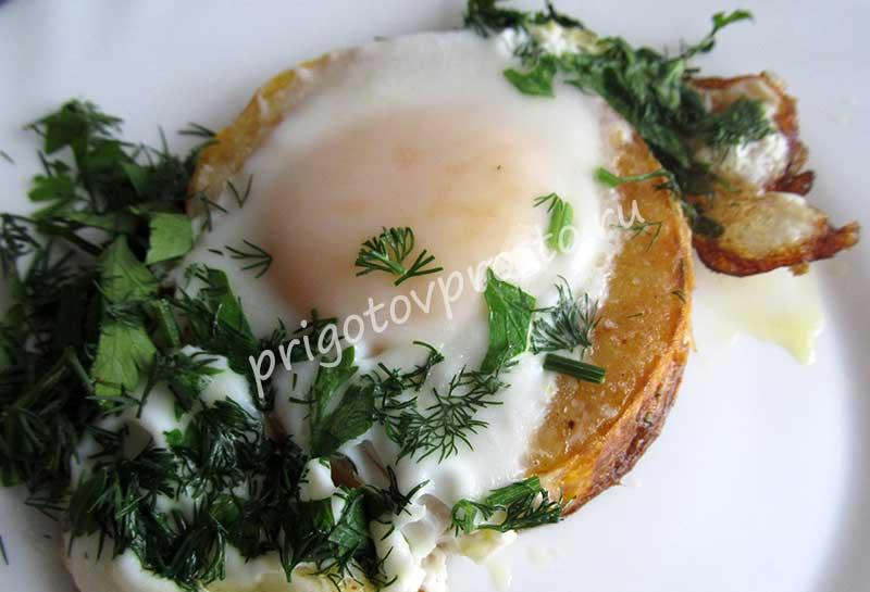 Как жарить картошку на сковороде с грибами и луком