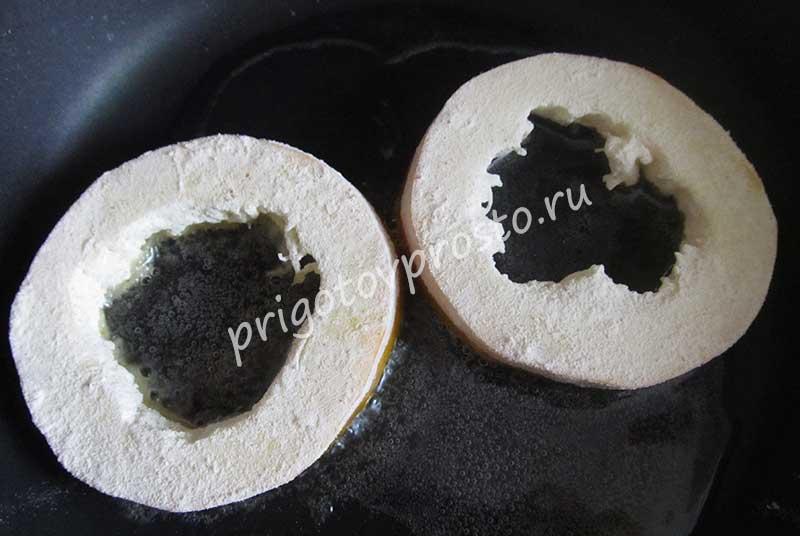 Кабачки с яйцом на сковороде